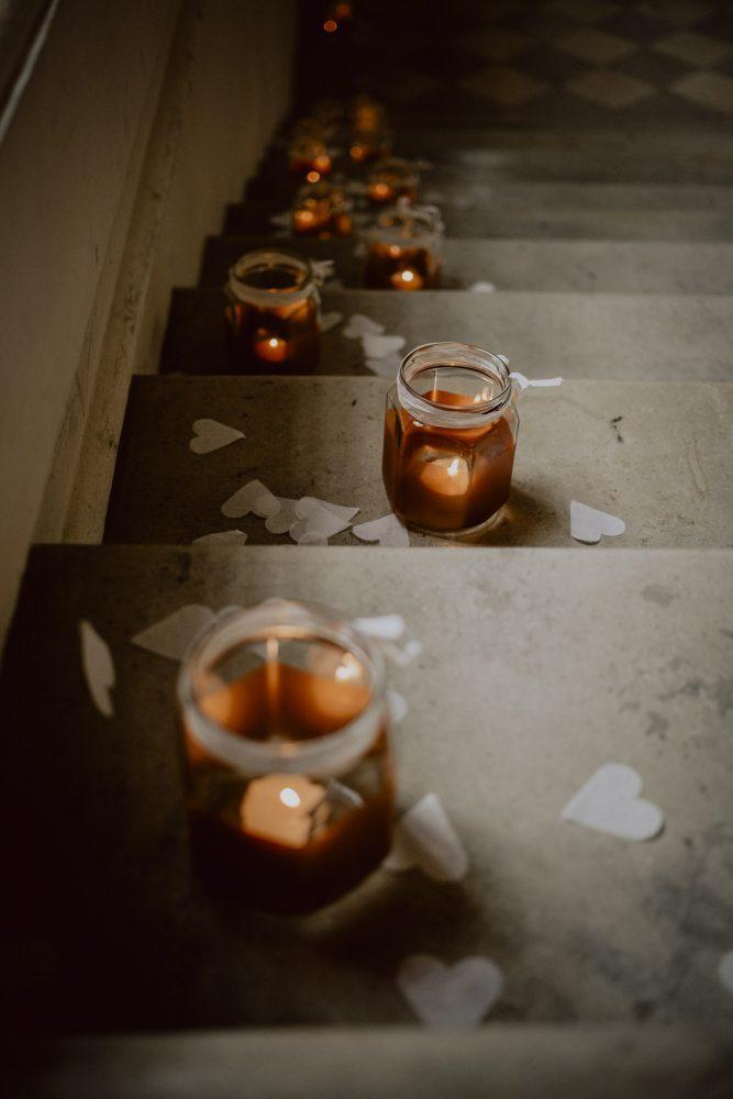 Schloss Dachau Hochzeitsfotografie Hochzeitsreportage Hochzeitsfotograf München Dekoration Kerzen