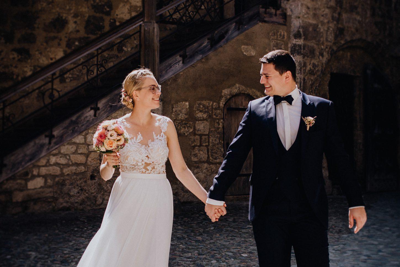 Burg Burghausen, Brautpaar Shooting, Hochzeitsfotograf, Hochzeitsfotografie, Hochzeitsreportage, Paarfotografie, Brautpaarportrait